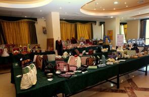 معرض بغزة يضم منتجات يدوية صنعتها