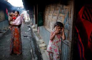 معاناة مسلمي الروهينغيا الذين تشردوا إلى مخيمات النزوح في بنغلاديش ب