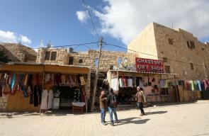 الاحتلال ينوي الاستيلاء على مبانٍ وسط الخليل
