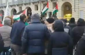 #شاهد مظاهرة اليوم في مدينة نورينتو الإيطالية نصرة للقدس ورفضا لغعلانها من قبل ترامب عاصمة للكيان الإسرائيليى.  #القدس_عاصمة_فلسطين