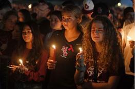 17 تهمة لمهاجم مدرسة فلوريدا