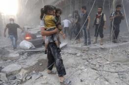 بالتزامن مع استمرار القصف.. القافلة الأممية تدخل الغوطة والنظام يعترض مساعدات طبية