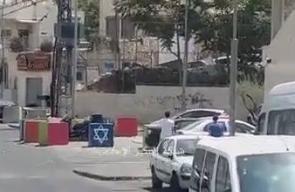 مشاهد تظهر إطلاق مستوطن النار على المتظاهرين في القدس المحتلة اليوم