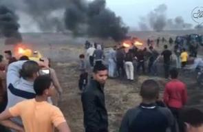 #شاهد وصول الشبان للسياج الفاصل وانتزاعه من شرق مدينة غزة اليوم رغم إصابة عدد منهم برصاص قناصة الاحتلال .  تصوير ALaa Mohsen