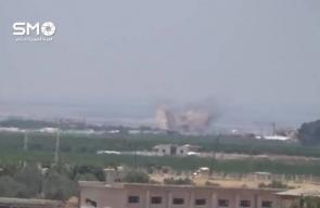 #شاهد الطيران المروحي يستهدف منطقة الأشعري في ريف درعا الغربي بالبراميل المتفجرة