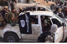 روسيا تتهم الولايات المتحدة بالتظاهر بقتال داعش في سوريا