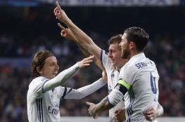 ريال مدريد يتفادى المفاجآت بثلاثية في نابولي