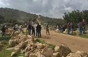 #شاهد إصابات اثر مواجهات مستمرة في قرية المزرعة الغربية عقب قمع وقفة احتجاجا على الأراضي المهددة بالمصادرة من قبل الاحتلال.