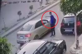 شاهد كيف سُرق هاتف هذا الشاب في مصر