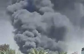 #شاهد | حريق كبير داخل مصنع شركة كلوب للبلاستيك في مخيم البريج شرق المحافظة الوسطى لقطاع غزة .