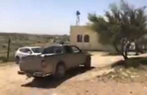 من بينهما مسجد القرية.. الاحتلال يخطر بهدم جميع منازل الفلسطينيين بقرية أم الحيران بالنقب المحتل، قبل قليل.