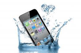 """تطبيق ذكي يطرد الماء المتسرب إلى """"آيفون"""""""