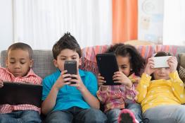 شركة سويسرية تطرح هاتفًا ذكيًا لمراقبة الأطفال