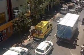 فيديو من المكان ..   شرطة الاحتلال تقول إن ما حدث في تل أبيب حادث سير عادي وليس عملية فدائية