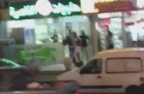 #شاهد   قوات خاصة صهيونية تختطف 4 شبان بعد خروجهم من خيمة عزاء شهداء عائلة جبارين في أم الفحم المحتلة، منفذي عملية القدس المحتلة.