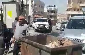 #فيديو اضراب شامل في بلدة سعير بالخليل احتجاجا على اتلاف الشرطة للسيارات غير القانونية