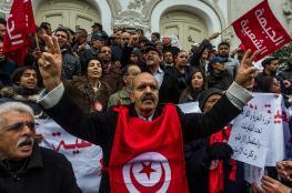 """آلاف التونسيين يحيون الذكرى السادسة لـ""""ثورة الياسمين"""""""