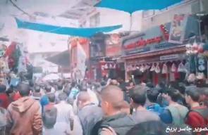 جانب من تشييع جثمان الشهيد سعد أبو طه الذى استشهد برصاص الاحتلال شرق مدينة خانيونس خلال مسيرة العودة أمس فى #جمعة_الشهداء_والاسرى