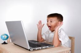 الفيس بوك يخدع الأطفال والمراهقين