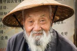 رجل صيني يعود للحياة وقت دفنه ويبعث الخوف في قلوب أهله!