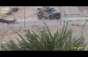 #شاهد  الشبان الثائرون يفتحون ثغرة في السلك الأمني قرب قاعدة زكيم العسكرية شمال قطاع غزة