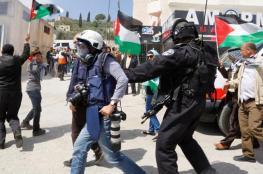إعلام الأسرى يستنكر اعتقال الأجهزة الأمنية بالضفة 5 صحفيين