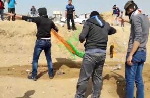 #مباشر تجهيز طائرات ورقية حارقة لإرسالها إلى الداخل المحتل، من منطقة شرق غزة .