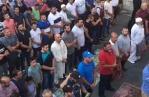 #شاهد هتافات المقدسين من امام باب الاسباط قبيل صلاة المغرب