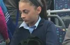 شرطة الاحتلال توقف حافلة تقل طلبة مدارس في العيساوية بالقدس المحتلة وتشرع بتفتيشها  تصوير:محمد قاروط ادكيدك