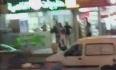 #شاهد | قوات خاصة صهيونية تختطف 4 شبان بعد خروجهم من خيمة عزاء شهداء عائلة جبارين في أم الفحم المحتلة، منفذي عملية القدس المحتلة.