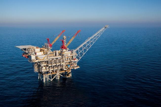 """مخاوف اقتصادية من سرقة """"كنز غزة"""" البحري.. وأسئلة صعبة للسلطة، هل نُسرق مرتين؟"""