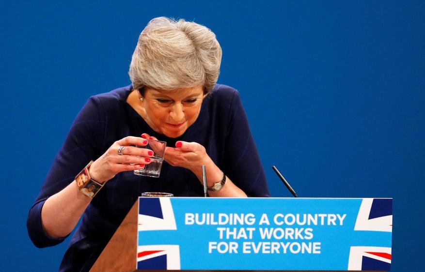 ديلي تيلغراف: رئيسة وزراء بريطانيا تعرضت لأكبر اهانة في تاريخ البلاد!