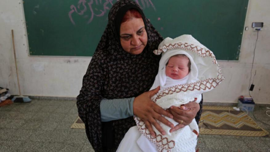 غزة .. 3446 مولودًا جديدًا و561 حالة وفاة خلال مايو 2021