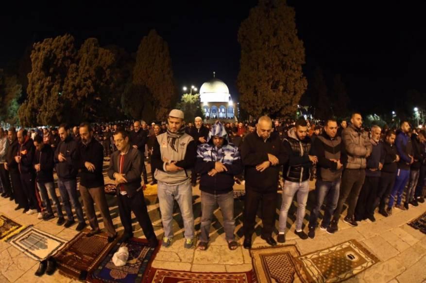 دعوات لتحدي إجراءات الاحتلال والاعتكاف في المسجد الأقصى