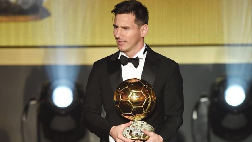 فرانس فوتبول تبلغ ميسي بإحرازه الكرة الذهبية