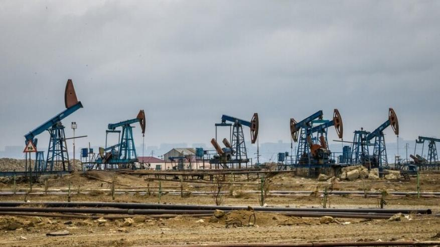 الولايات المتحدة وكندا تناقشان فرض رسوم على واردات النفط الروسية والسعودية