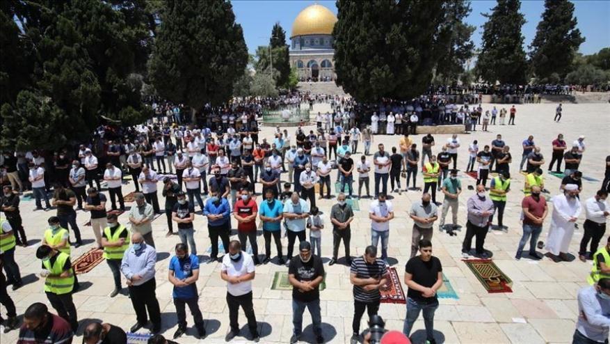 التراجع عن تعليق دخول المصلين المسجد الأقصى بسبب استمرار اقتحامات المستوطنين