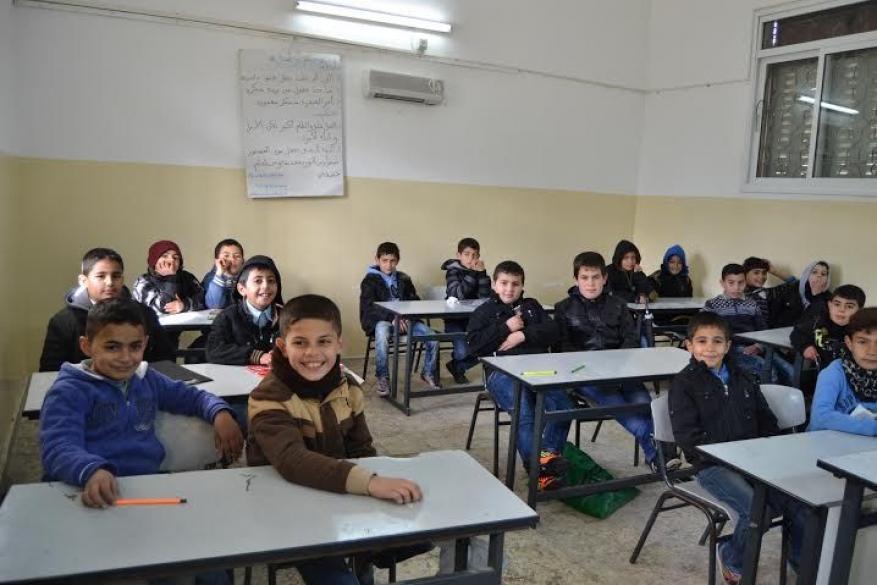 إغلاق مدرسة ثانوية في نابلس عقب اكتشاف اصابة طالبة بكورونا