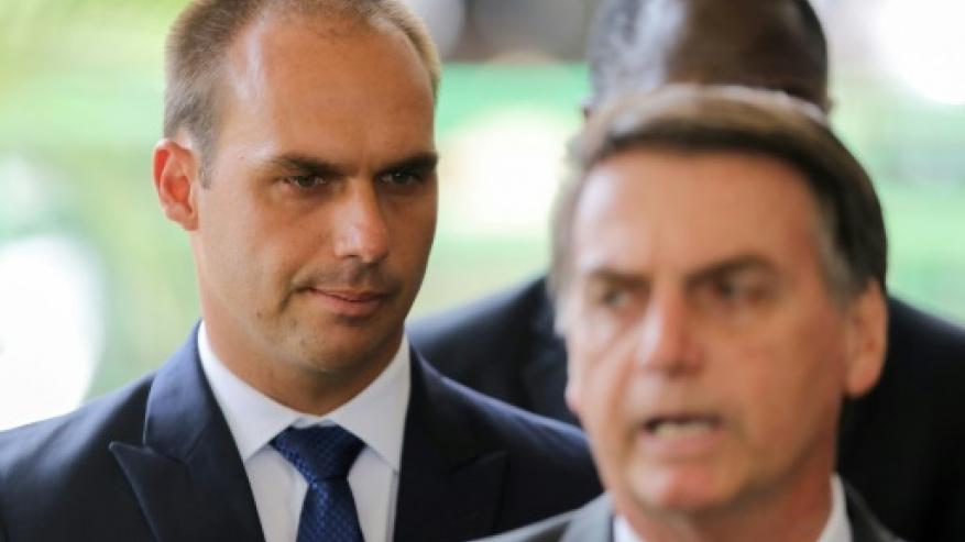 الرئيس البرازيلي يعتزم تعيين نجله سفيرًا لدى واشنطن