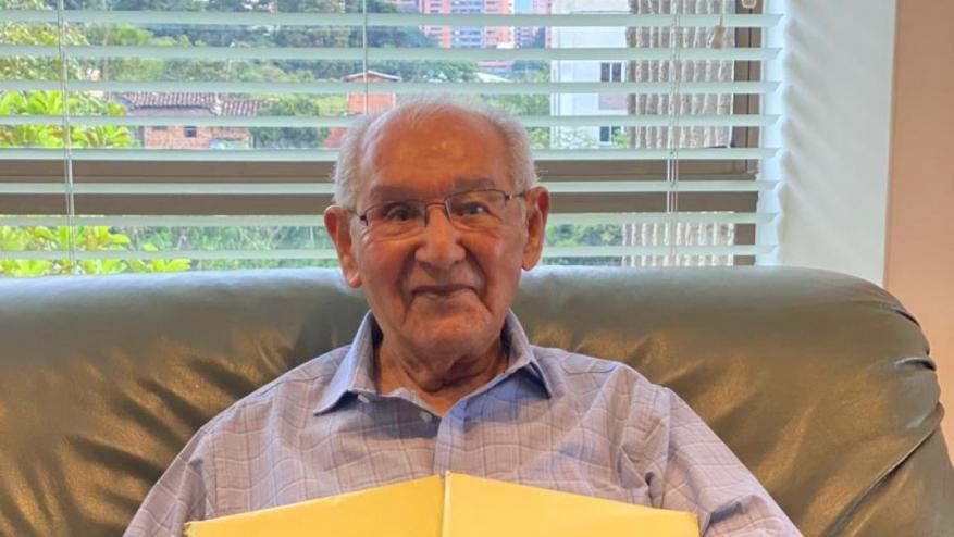 معمّر في سن الـ 104 يسجّل نفسه للدكتوراه