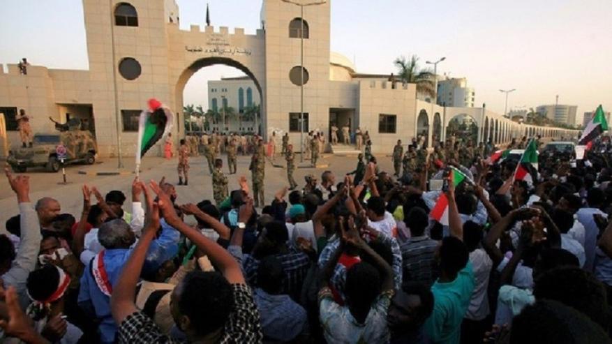 """""""محاولة انقلاب"""" على المجلس العسكري السوداني.. هذه تفاصيلها"""