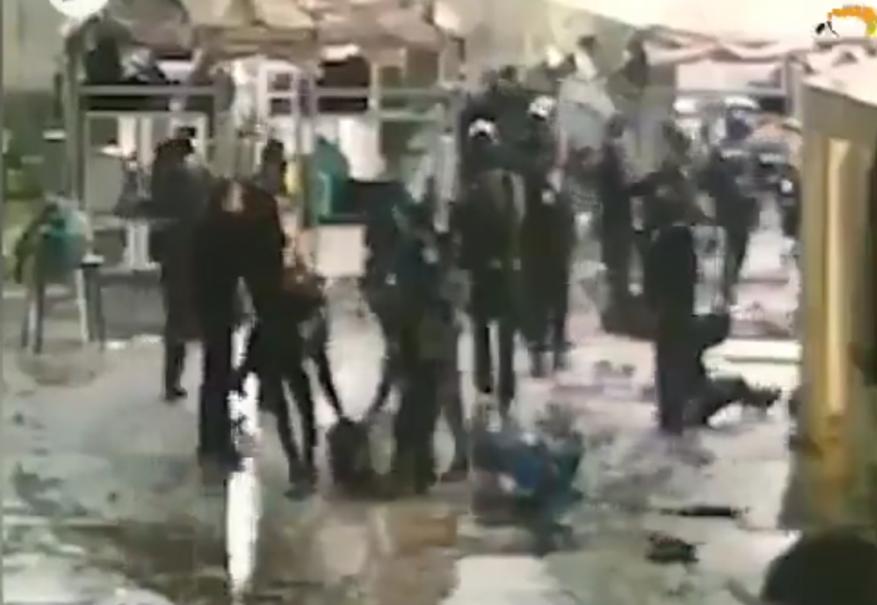 فيديو كاميرات توثق اعتداء سجانين إسرائيليين على أسرى مكبلين