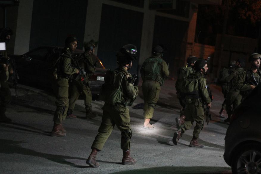 الاحتلال يعتقل 8 مواطنين في الضّفة الغربية