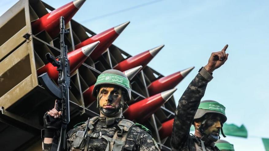 ليبرمان يتخطى الرقابة العسكرية ويزعم: حماس تمتلك صواريخ موجّهة وقنابل عنقودية