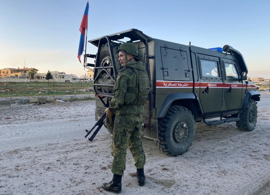 مقتل عسكري روسي وإصابة 3 بجروح في تفجير بسوريا