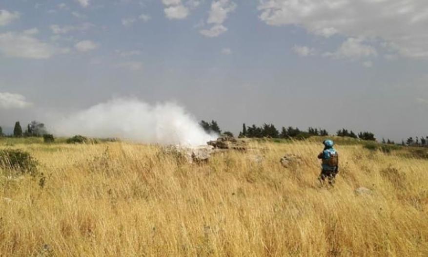 حدث غير معتاد.. جنود لبنانيون يعترضون دبابتين لجيش الاحتلال اجتازتا الحدود
