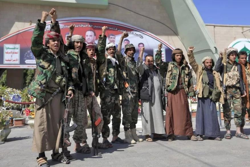 """نيوزويك: الحوثيون يمتلكون طائرات مسيرة انتحارية تصل إلى """"إسرائيل"""""""