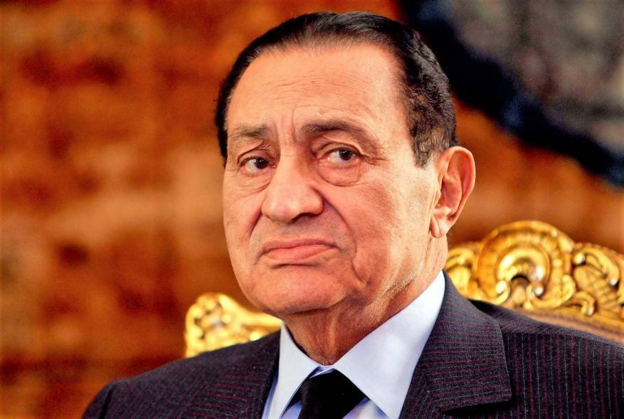 طبيب حسني مبارك يكشف: الرئيس أصيب بمرض لا يأتي إلا لواحد في المليون