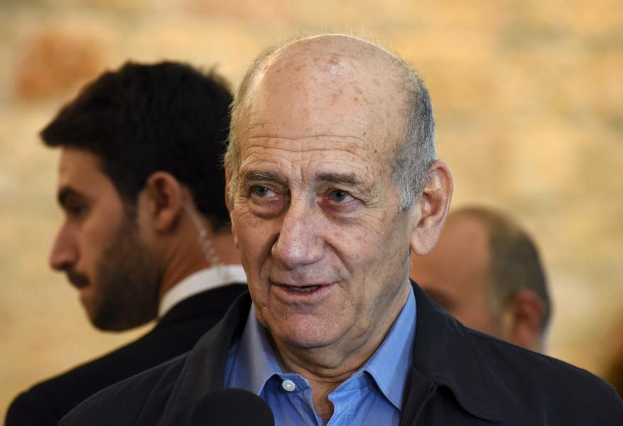 """أولمرت: نتنياهو مستعد لبيع أمن """"إسرائيل"""" من أجل تحقيق أمنه الشخصي"""
