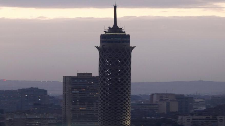 """انتحار طالب هندسة من أعلى """"برج القاهرة""""!"""